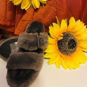 UGG fluffy sandals
